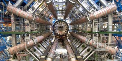 Выбор программы: физика элементарных частиц вМИФИ