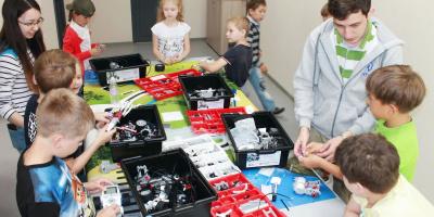 Молодежный технопарк проводит занятия для подростков