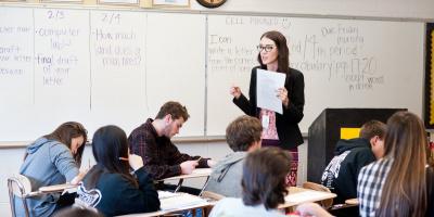 Как учить английский язык: в группе или индивидуально?
