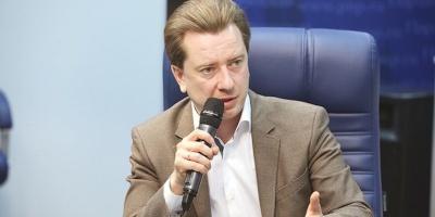 Владимир Бурматов: «Мыбыли одними изпервых, кто учился нафакультете государственного муниципального управления»