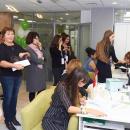 Студенты оформляют договоры в ППИЭ