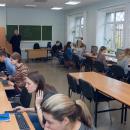 У нас несколько компьютерных классов, где студенты могут работать с самыми современными программами