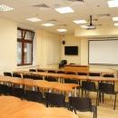 Аудиторный фонд университета насчитывает более 50 учебных помещений. Для проведения специальных курсов созданы компьютерные классы. За каждом факультетом закреплены мультимедийные аудитории с проекционным и звуковым оборудованием.