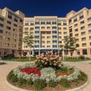 Живут в гостиничном комплексе кампуса ДВФУ. Сейчас работают 11 гостиниц-общежитий. В 2017 году свободно 4300 мест. #ИдемНаВосток
