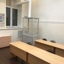 Вытяжной шкаф в химической аудитории для проведения экспериментов