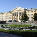 Корпус на Новособорной площади
