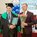 Вице-губернатор Санкт-Петербурга Серов К. Н. - почетный профессор СПбУТУиЭ